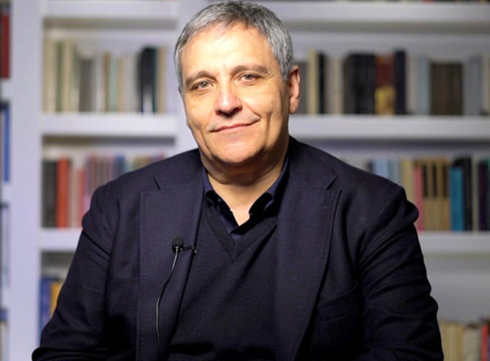 Intervista a Maurizio de Giovanni | Contorni di Noir